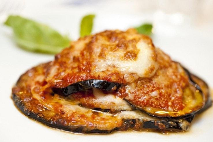 اطباق الباذنجان بالموزريلا