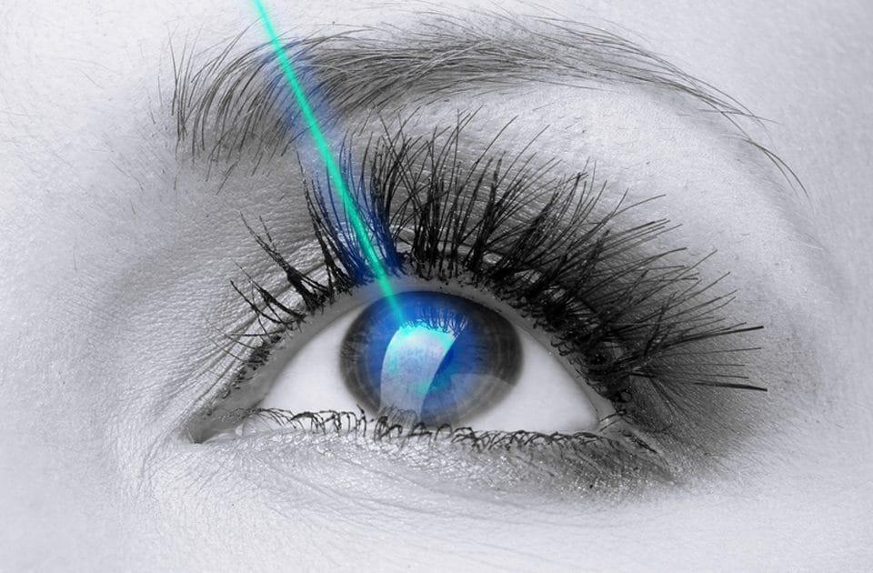 جراحة تصحيح النظر