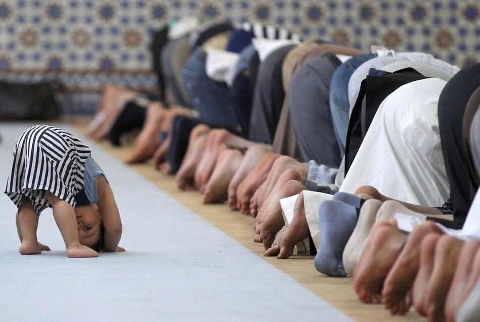 تعليم الصلاة للاطفال بسهولة