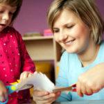 دور الام في تربية الابناء
