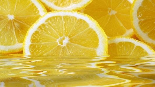 فوائد الليمون للشعر مع خلطات طبيعية