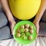 فوائد الكيوي للحامل واثارة الجانبية