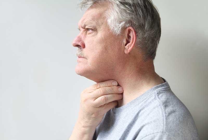 اعراض التهاب الحنجرة الفيروسي