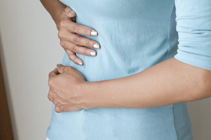 علاج الام البطن بعد الولادة