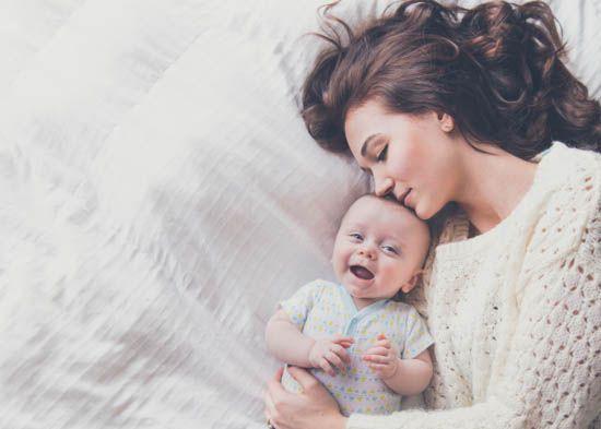 العناية بالطفل فى الشهر الاول