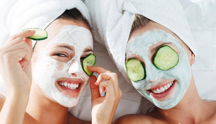 طرق تبيض الوجه وانواع ماسكات الوجه