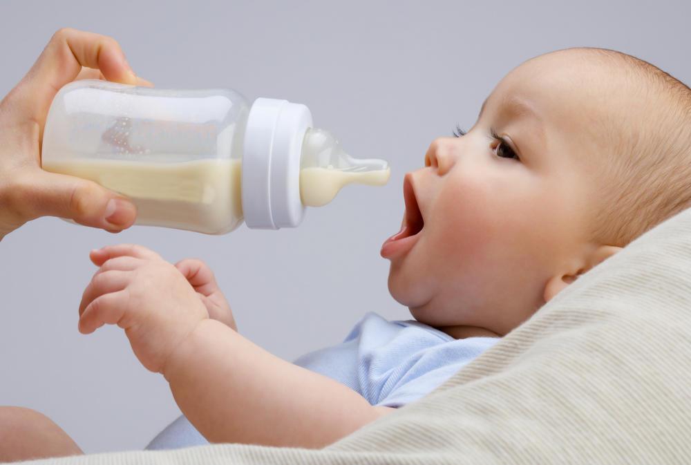 طريقة الرضاعة الصناعية الصحيحة