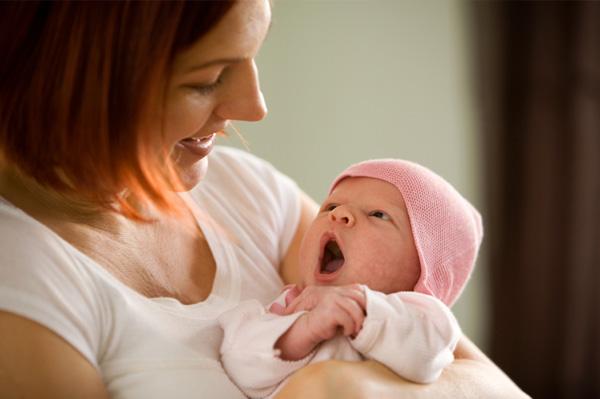 كيف اتعامل مع طفلى الرضيع